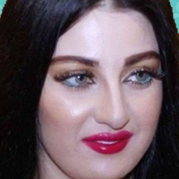 صافينار لم ترتد الأسود في عزاء والدها - صورة