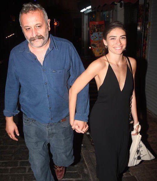هازار إيرجوتشبو وحبيبها المخرج أنور