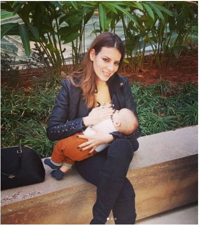نجمة ستار أكاديمي تقلد نانسي وترضع ابنها على الملأ - صورة
