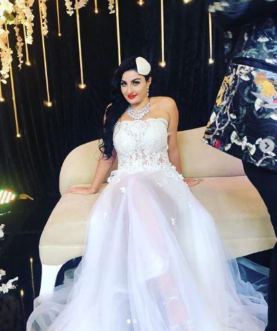الراقصة صافيناز بفستان الزفاف وتزوّجت؟ - صورة