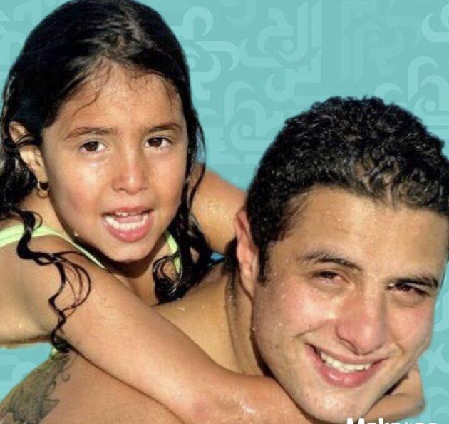 ابنة أحمد الفيشاوي تحتفل بعيدها ويتجاهلها - فيديو