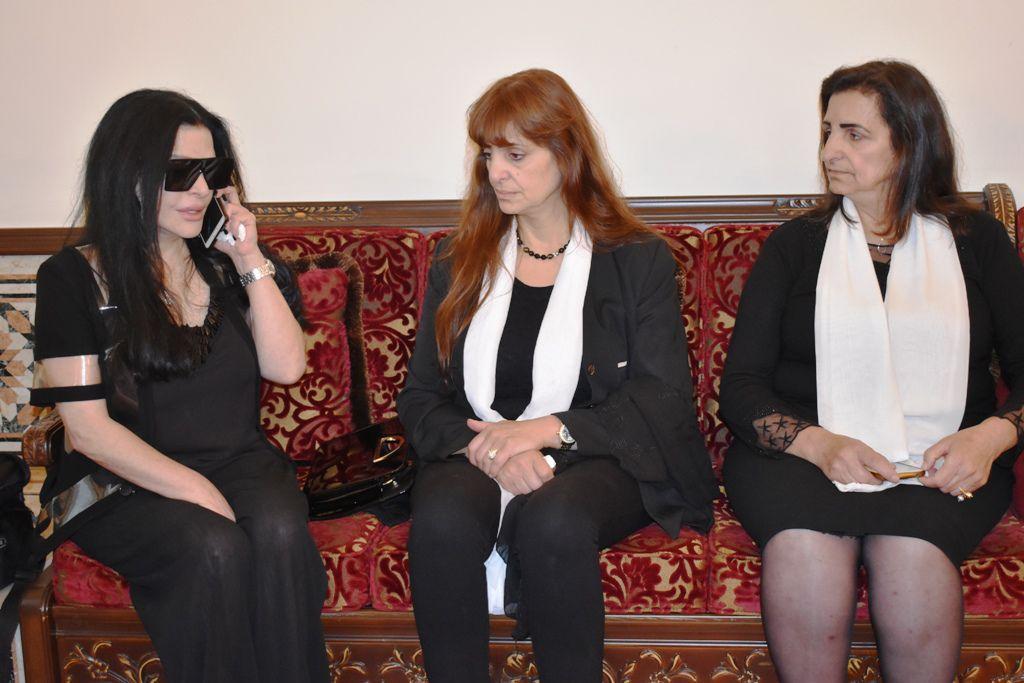 شقيقتا الراحلة سمر الأحمدية