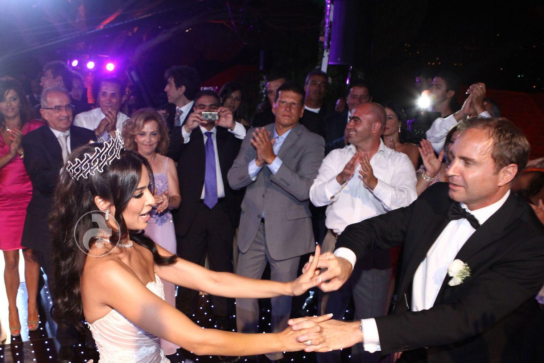 رقصة نادين نجيم وهادي الأسمر
