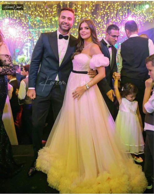 كريم فهمي وزوجته يخطفان الأنظار - صورة