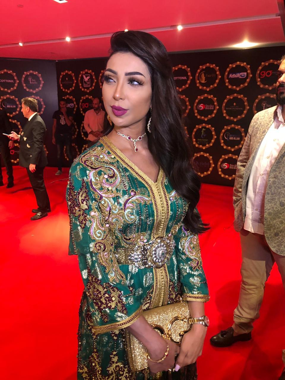 دنيا بطمة ارتدت القفطان المغربي