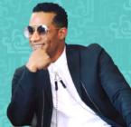 محمد رمضان يغني دون تي شيرت أمام العشرات وأين التباعد الاجتماعي؟ - فيديو