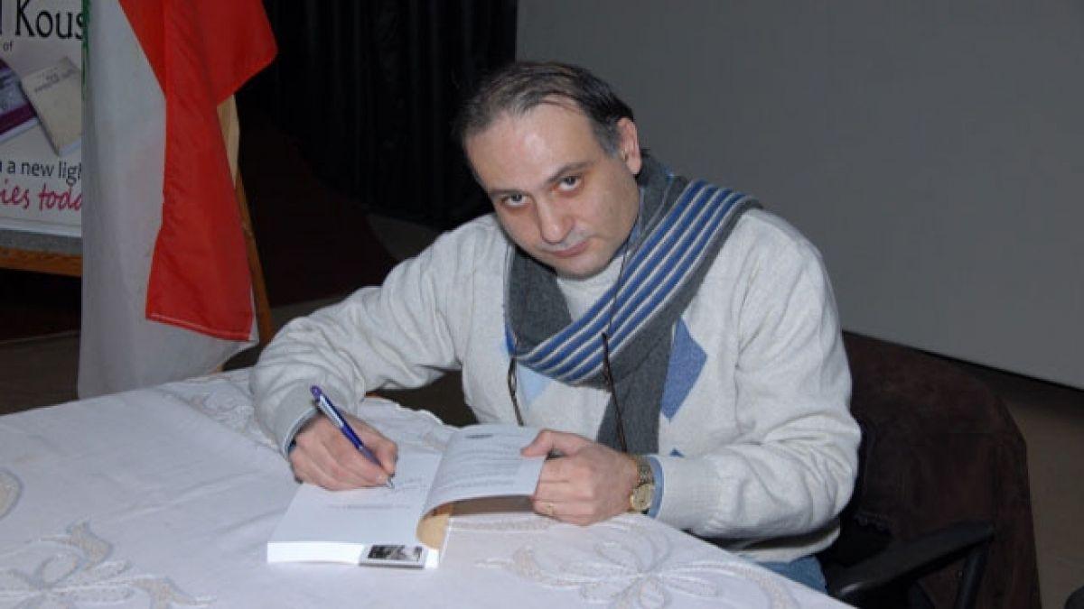 الكاتب كريم كوسا