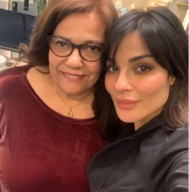 نادين نجيم مع والدتها التونسية