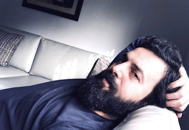 تيم حسن لوحده في المنزل والناس تتساءل - صورة