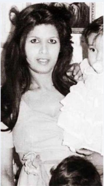 ياسمين عبد العزيز وأمها