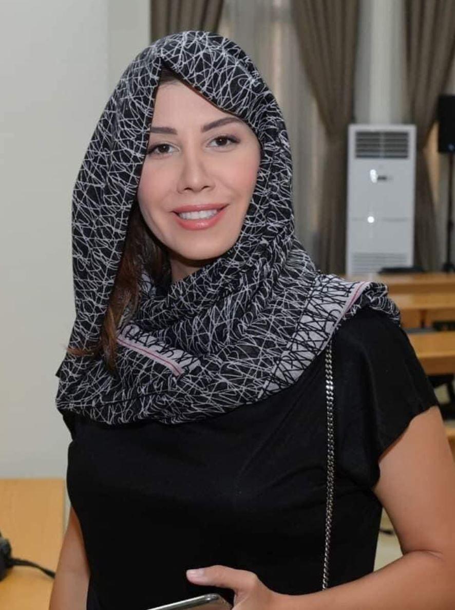 بولا يعقوبيان ترد بقسوة على استغلالها الحجاب في البرلمان - صورة