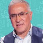 ممثل لبناني يأكل من الزبالة ويحذّر اللبنانيين! - فيديو
