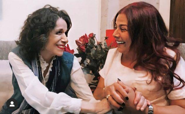 سامية الحزائري وشقيقتها صباح بصورة نادرة
