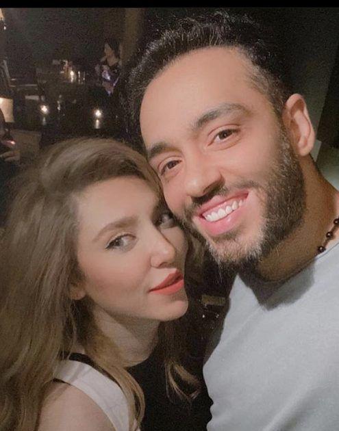 رامي جمال يغازل زوجته - صورة