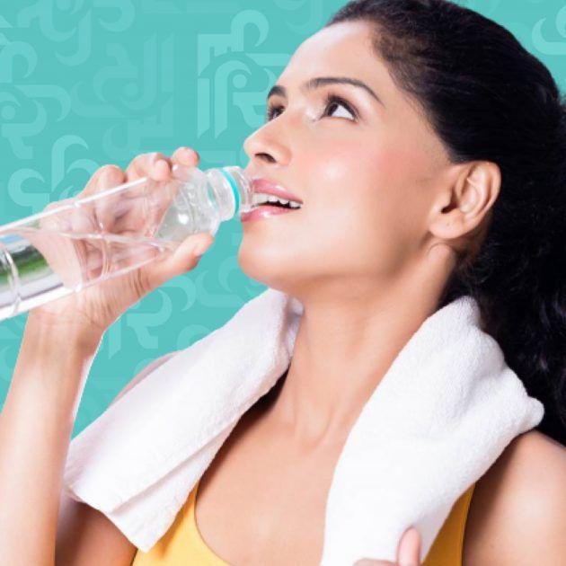 متى تشرب لزيادة فعالية الماء وهل يفيدك خلال الأكل كما في المسلسلات؟