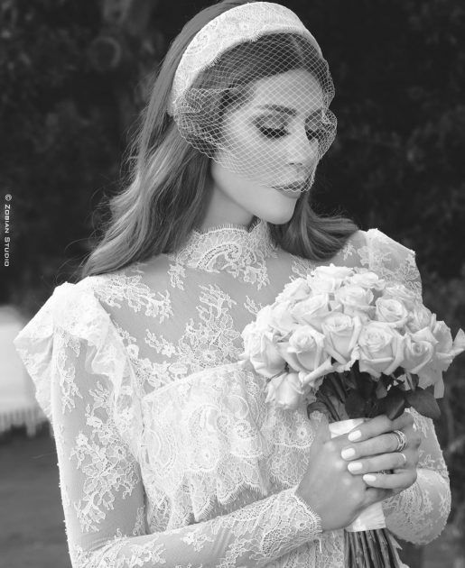 كارلا بفستان الزفاف