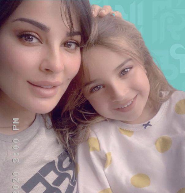ابنة نادين نجيم وإسم الصليب - صورة