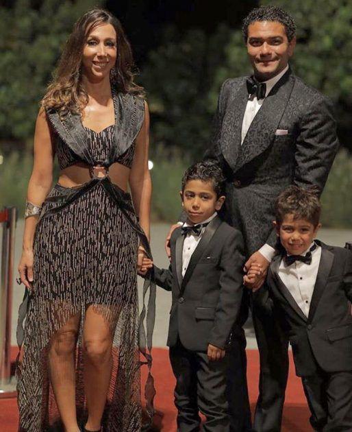 آسر ياسين اصطحب طفليه في مهرجان الجونة - صورة