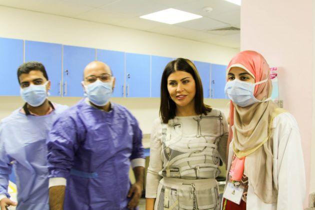 جومانا مراد تزور مستشفى السرطان - صور