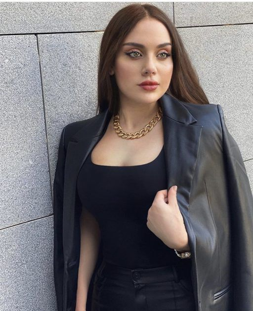 زينب فياض