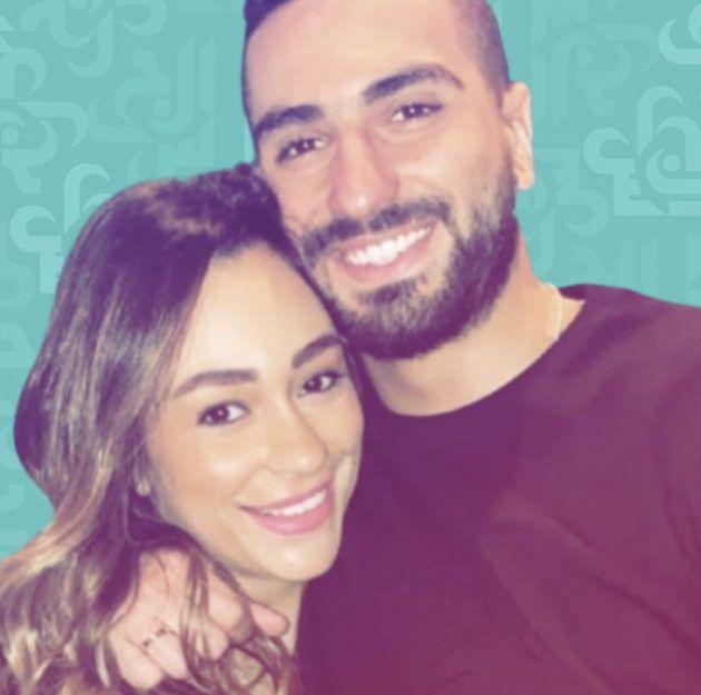 محمد الشرنوبي يغمر زوجته ولمَ يعشق الصور معها؟ - صورة