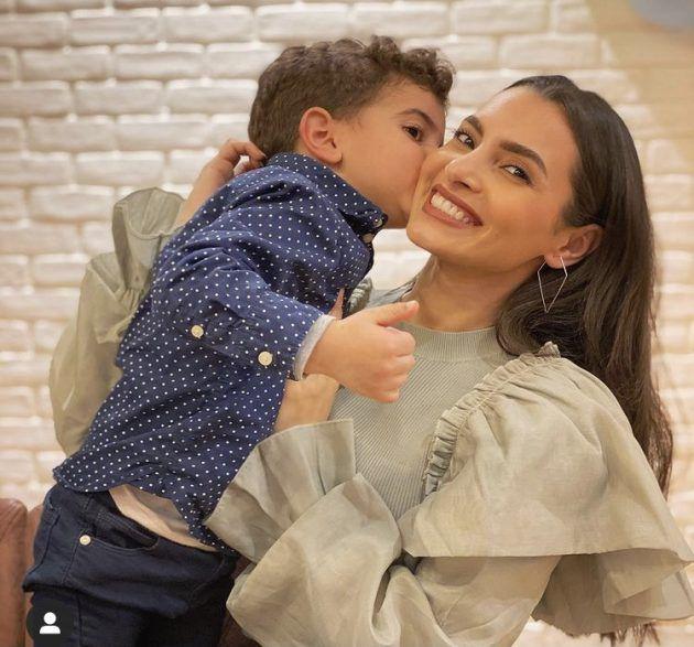 كارمن سليمان تحتفل بابنها وتخفيه - صورة
