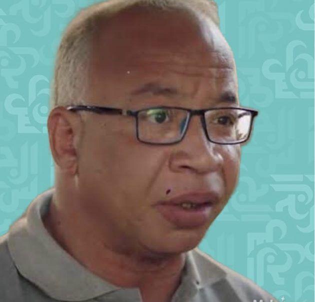 ممثل مصري يهدد بقتل نفسه في ميدان عام