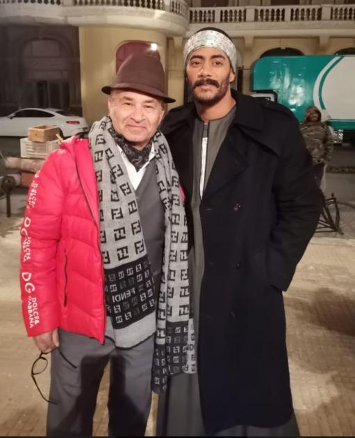 محمد رمضان مع ماركو الإيطالي بائع الأحذية