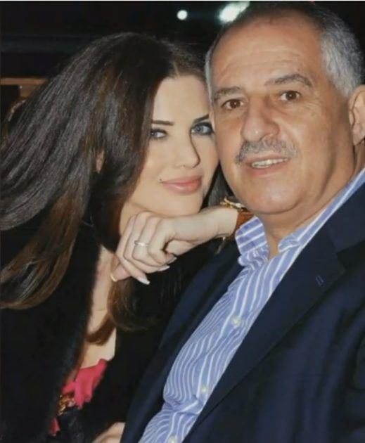 منى ابو حمزة وزوجها وصورة كلها حب