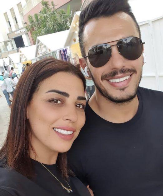 أحمد إبراهيم مع زوجته وأنغام طوت صفحته!